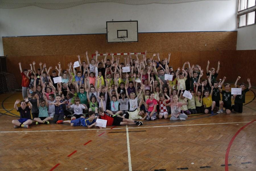 Vyše sto detí sa zúčastnilo turnaja v mini-vybíjanej, vyhrala ZŠ Černyševského