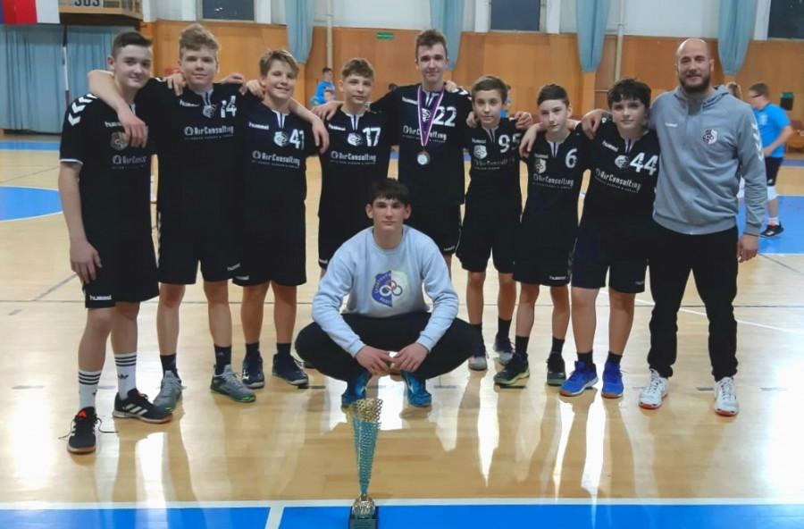 SUMÁR TÝŽDŇA: Žiaci vyhrali turnaj v Pezinku, v akcii aj ďalšie družstvá